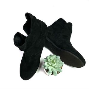 Seychelles Black Fabric Slip On Ankle Booties EUC
